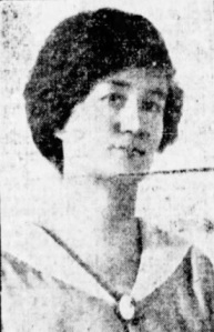 Miss MacGilvray in a 1917 advert from Spencer's department store advertising her beauty lecture